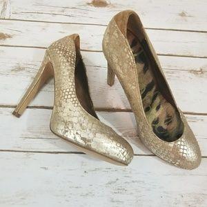Sam Edelman Yasmine Pump Gold Snake Party Animal